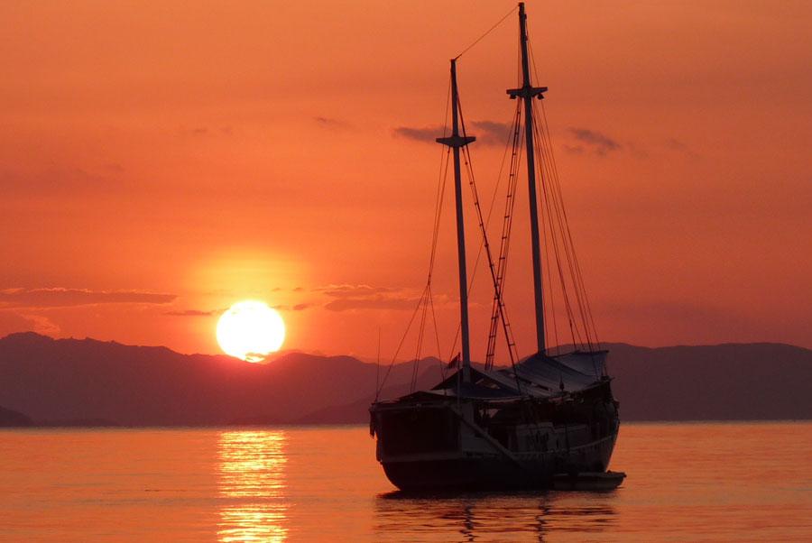 boat komodo Komodo Aventure